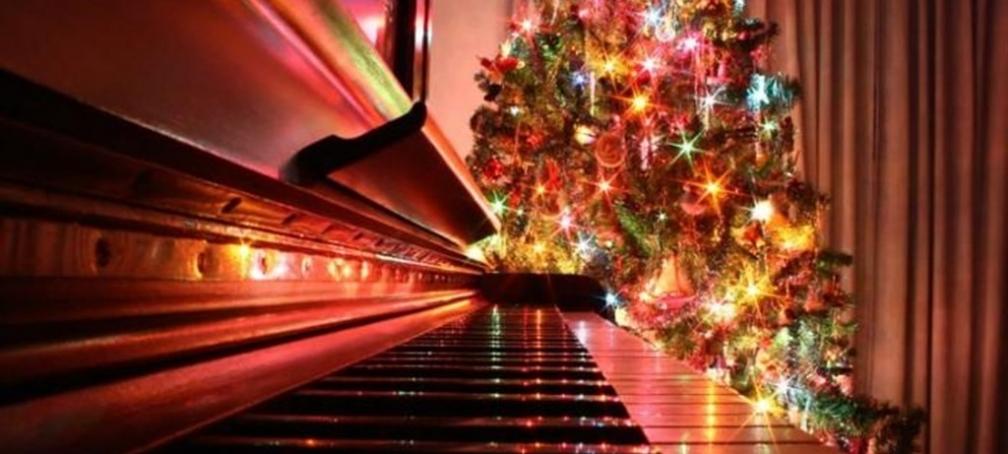 Компания MUSIC PARKING поздравляет всех с наступающим Новым годом!